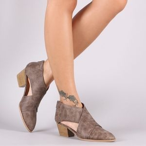 Shoes - Stylish cross band LIGHT BROWN BOOTIE